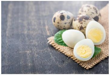 Huevos de Codorniz Cocidos y Pelados